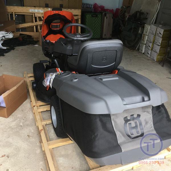 Máy cắt cỏ người lái Husq TC138L New 10